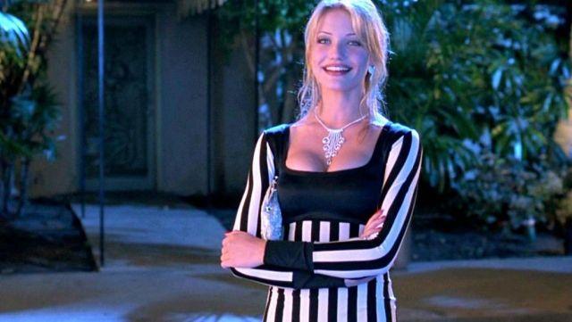 Karen fisher robe bring you@todorazor.com