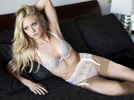 Brittany snow lingeriebandits dvd movie@todorazor.com