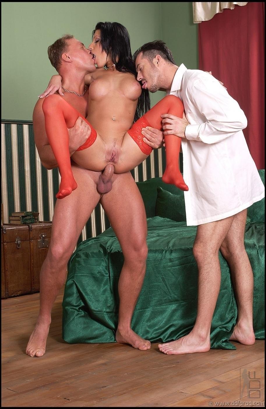 fille nue sur la formation de photos – BDSM