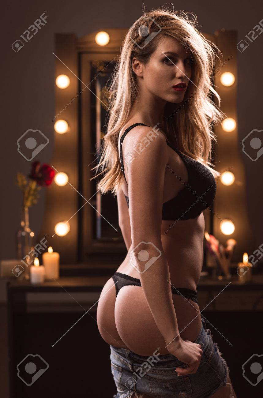Jeune sexe modèle milf culotte anal@todorazor.com