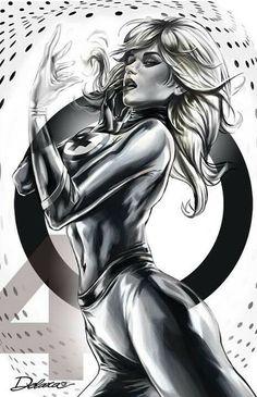 La femme invisible presser ses seins @todorazor.com