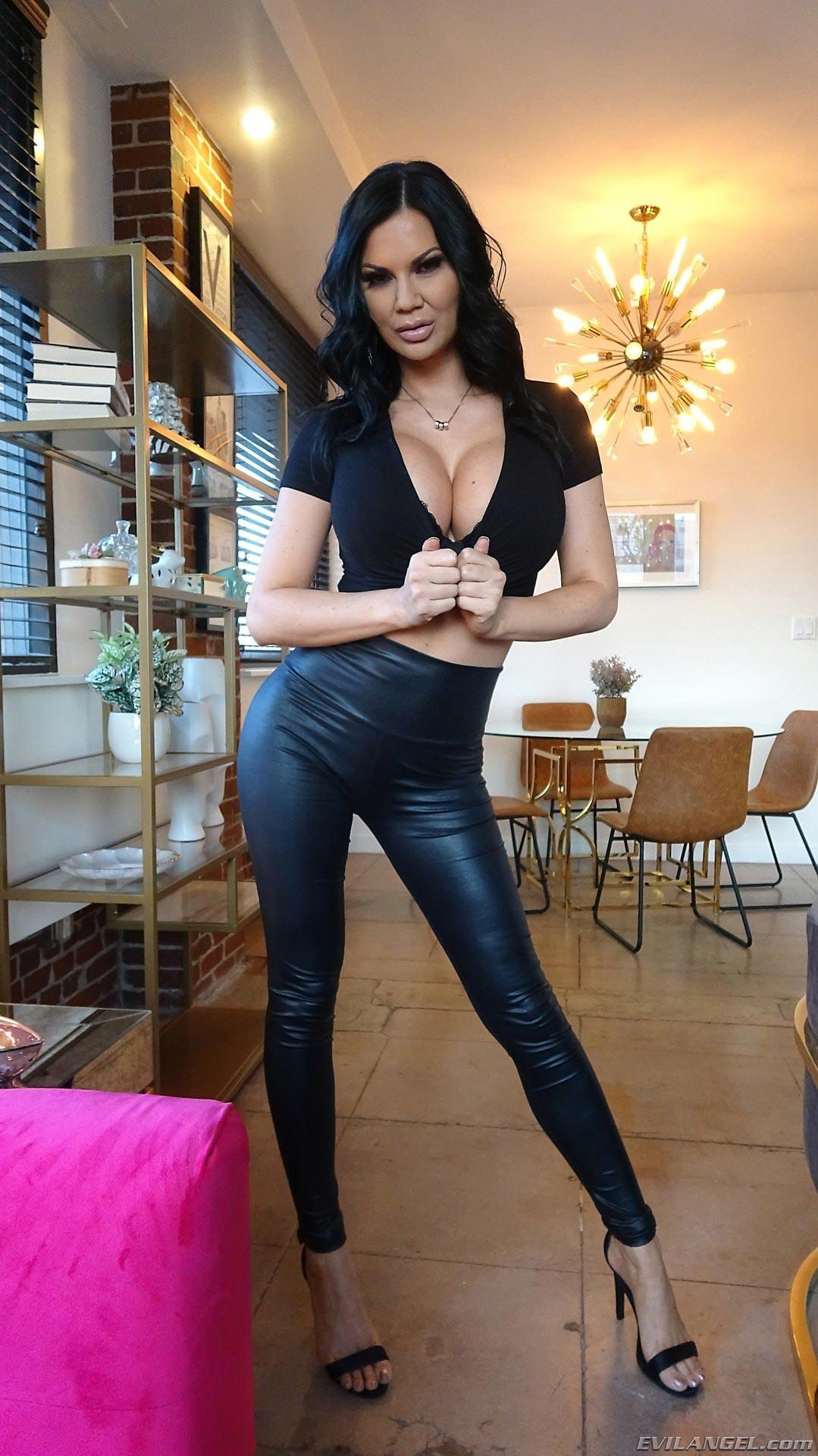 Jasmine jae big massuse baise pour @todorazor.com