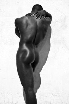 Tennis nude glisseheld strange looking@todorazor.com