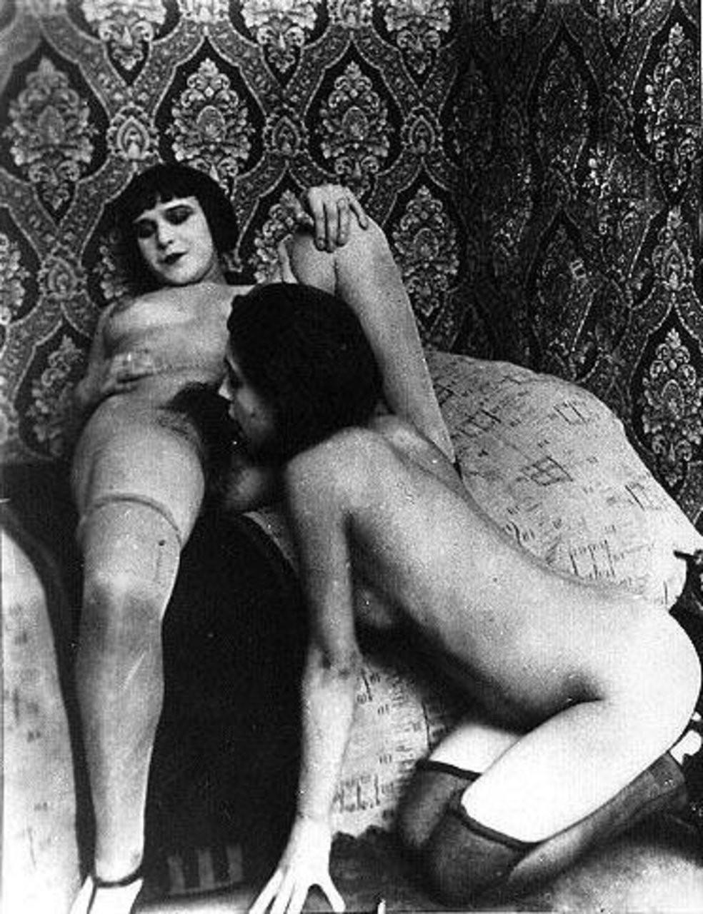 incroyable lesbienne trio sangle sur – Erotisch