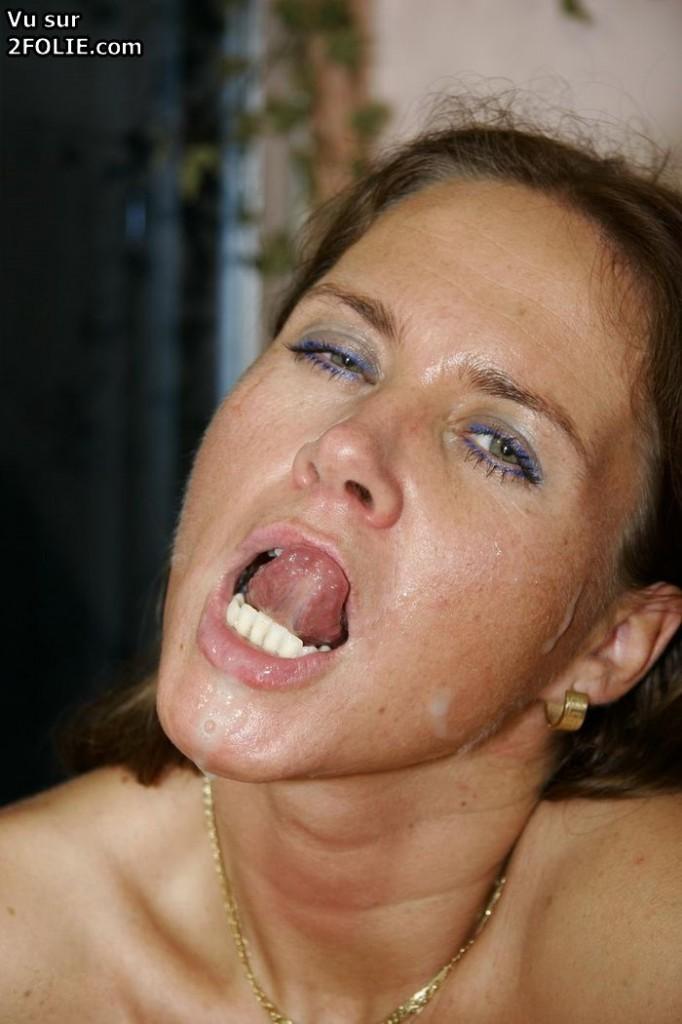 Éjaculation faciale surcum4k easter@todorazor.com