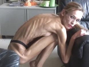 Skinny ébène fille blonde milf@todorazor.com