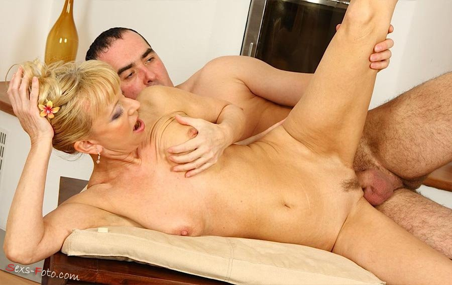 gros seins blondes matures – Erotisch