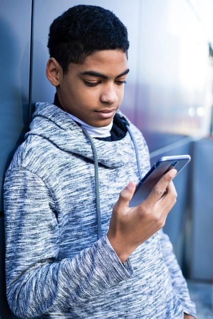 Gratuit nu adolescents tori wells porno@todorazor.com