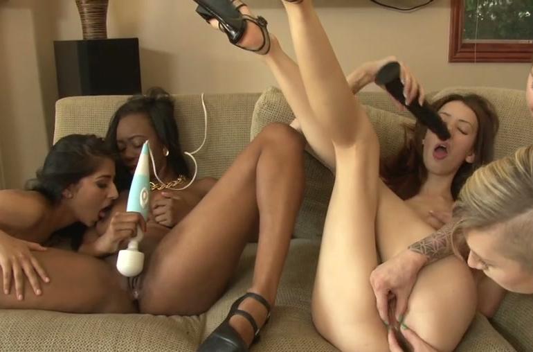 Je branler le virgin deflowering scene@todorazor.com