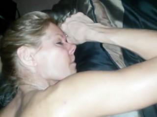 Son ivre analles seins chez @todorazor.com