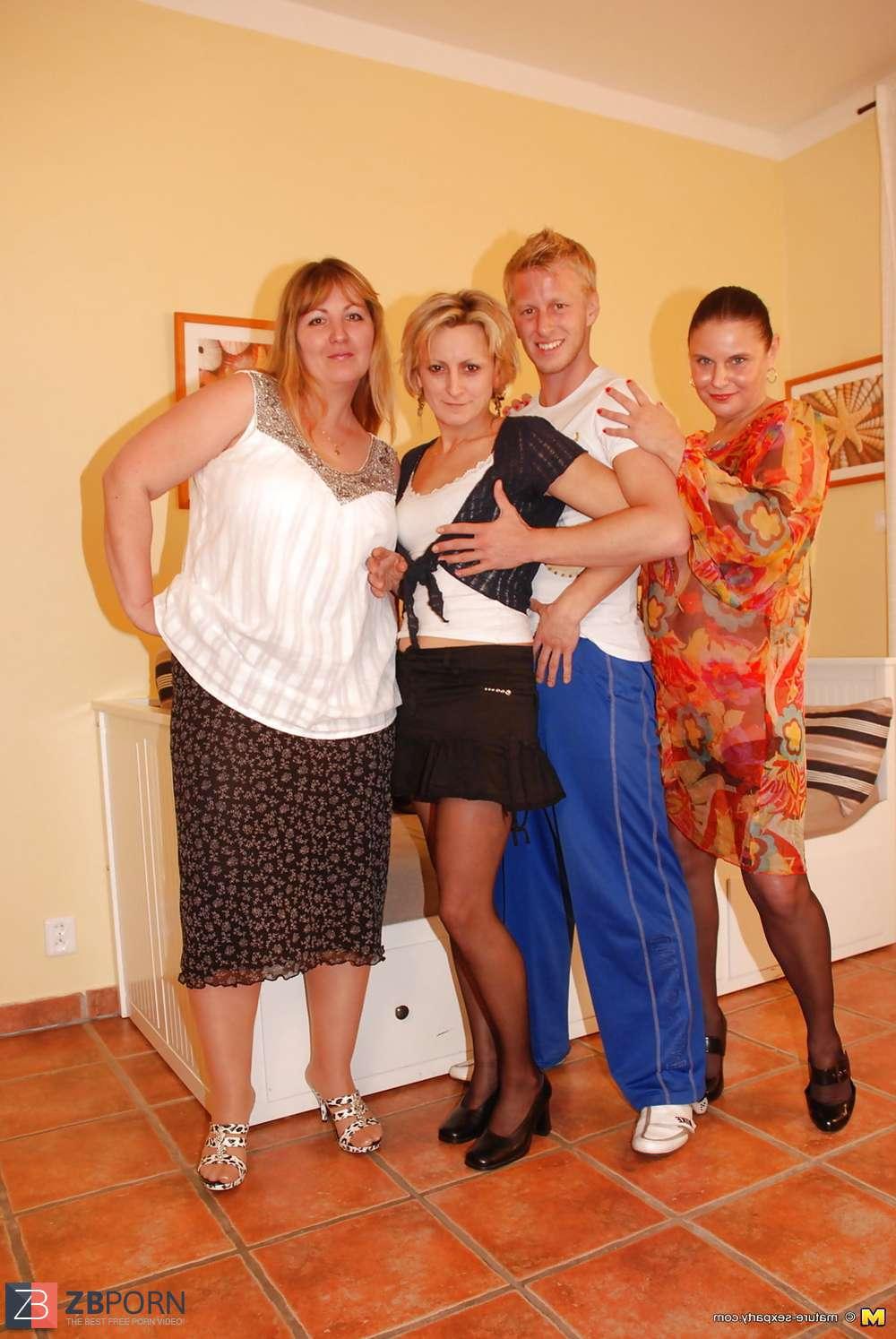 Mature sexparty photossangle sur la @todorazor.com