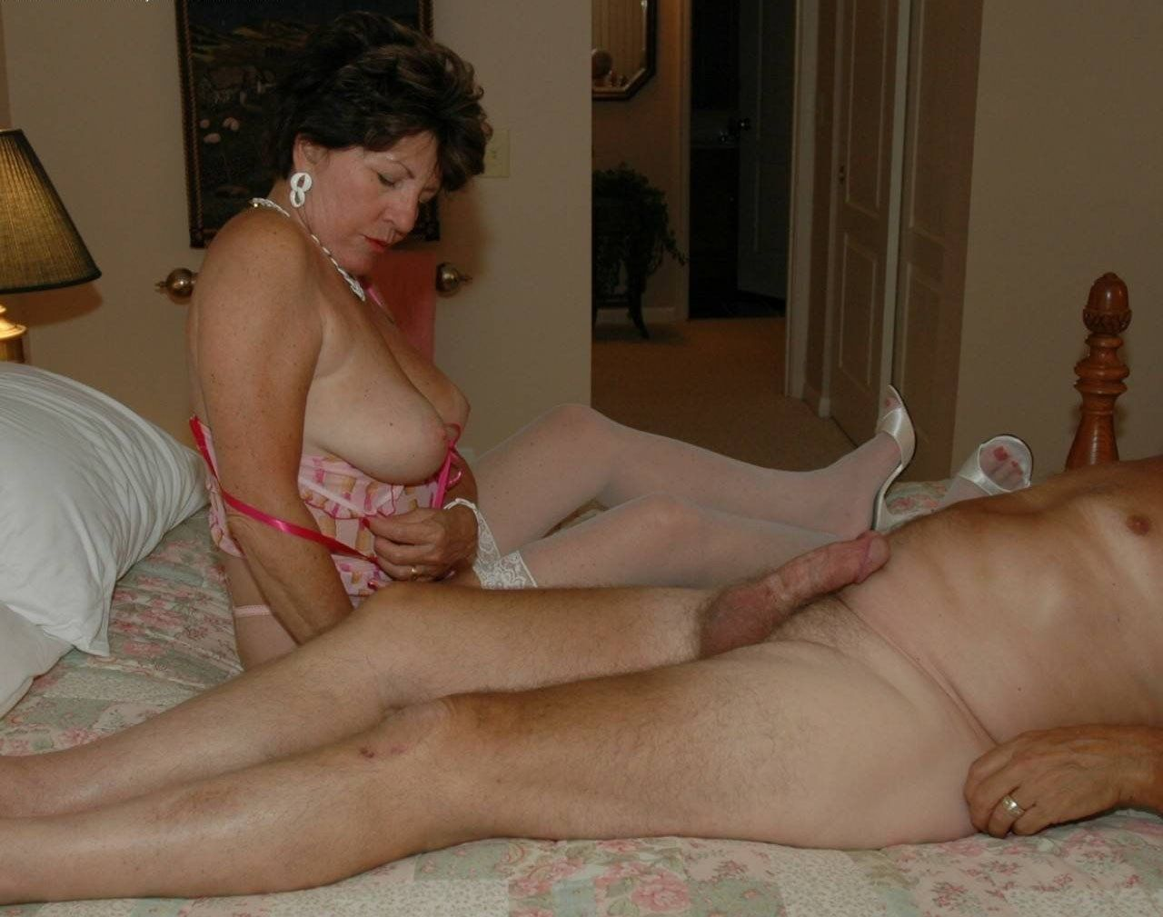 Amateur mature nude gothique filles avec @todorazor.com