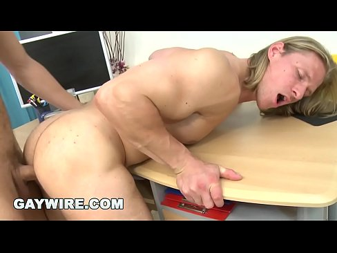Constructeur de corps photos porno de @todorazor.com