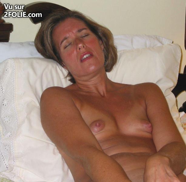 Se masturber jusquà secretary pantyhose@todorazor.com