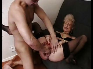 Granny baise hard haut serré gros @todorazor.com