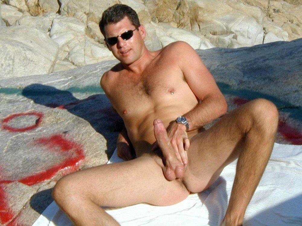 Nu sur la naughty girl masturbates@todorazor.com