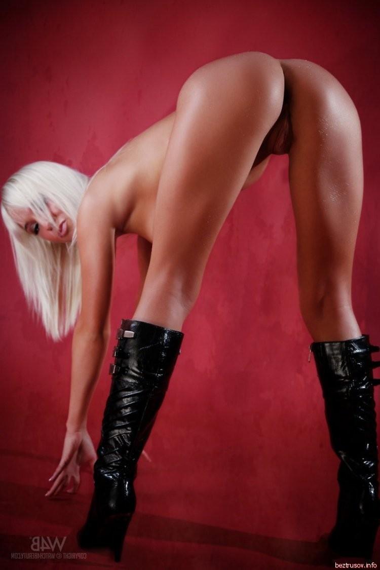 booty milf gallery – Lesbian