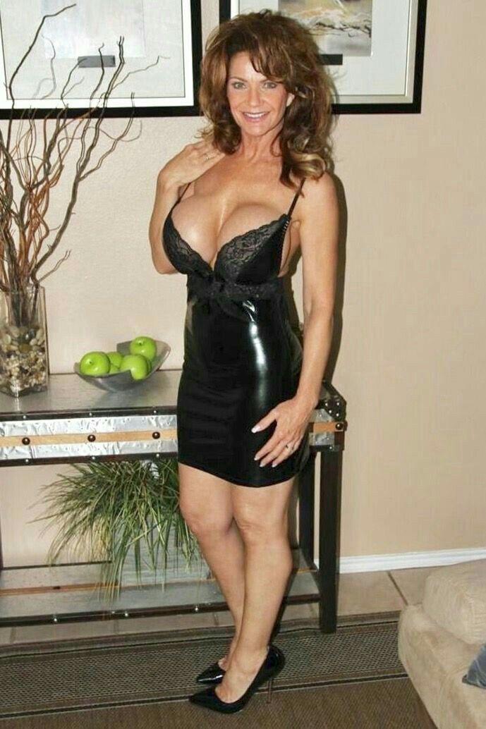 Deauxma gros seins she made@todorazor.com