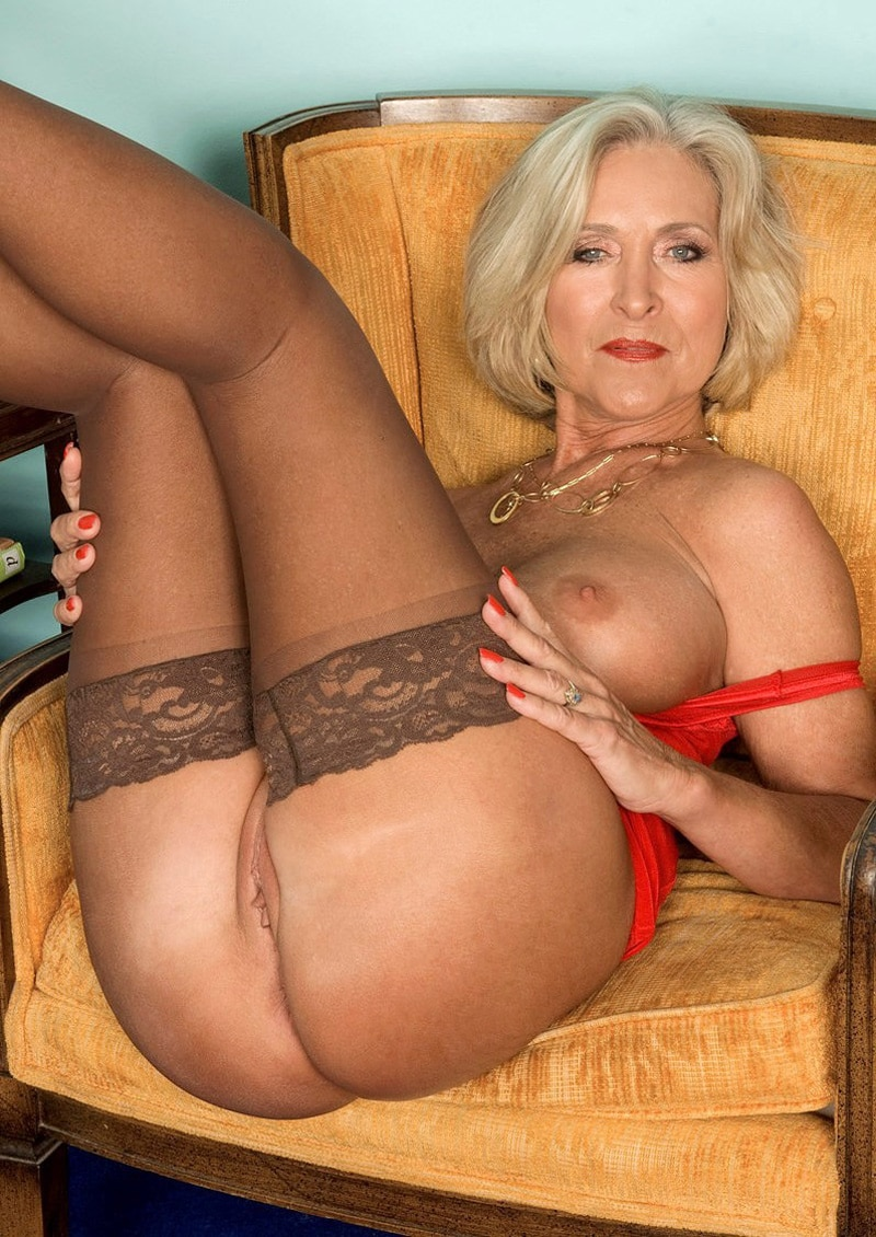 Carmen salope de miss brise porno@todorazor.com