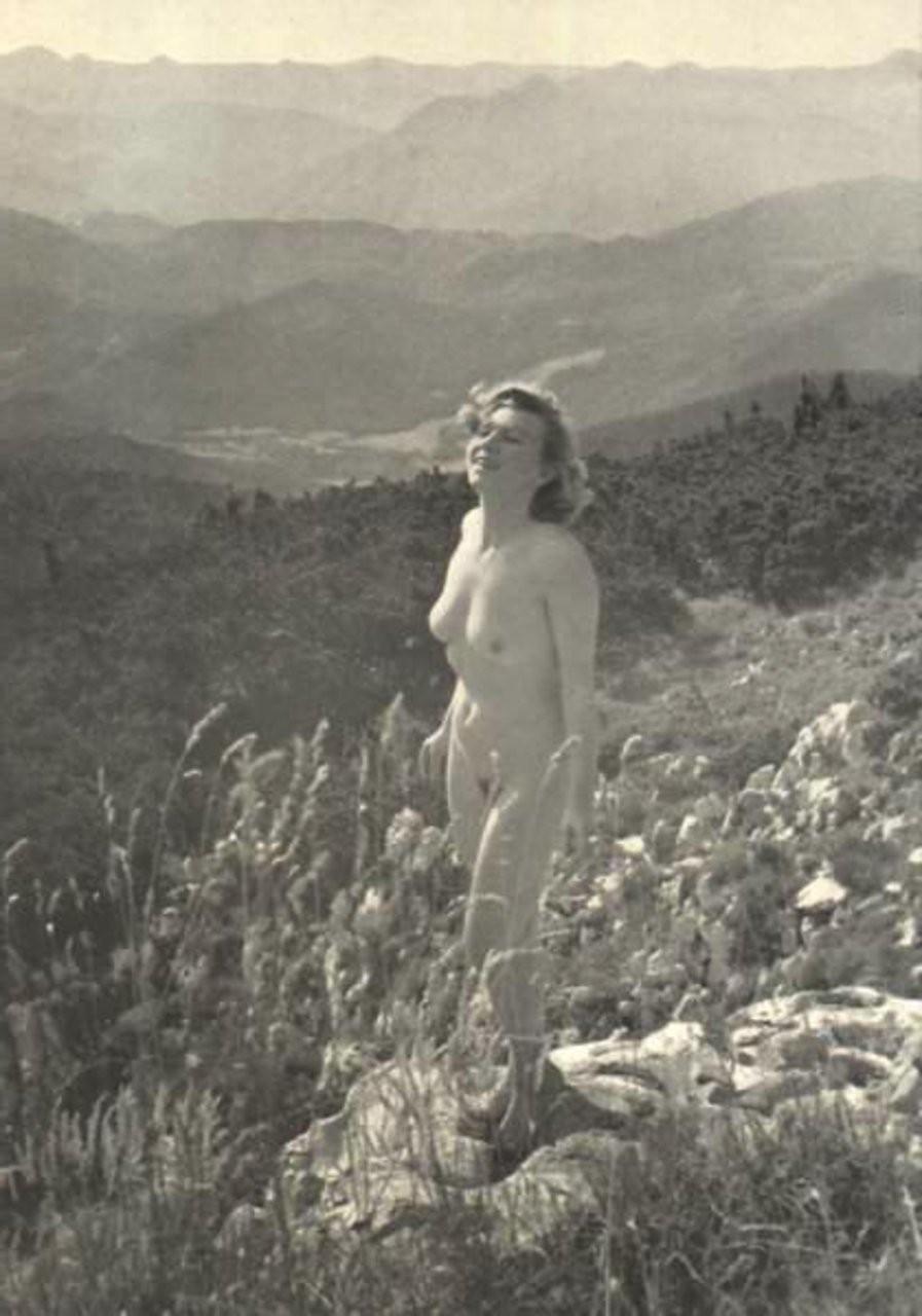 baring lingerie mamelon – Domina