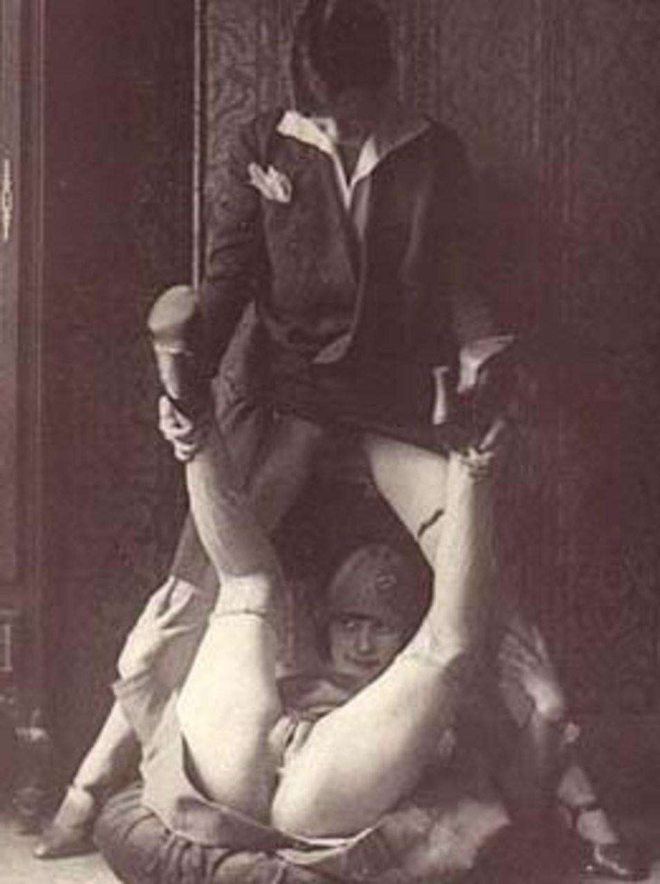 anne hathaway ravages scène de nu – BDSM
